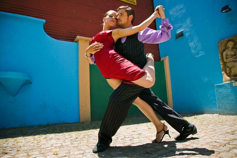 primer post de esta nueva sección dos videos de tango argentino