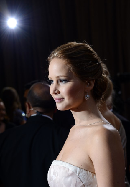 2013 Academy Awards Red Carpet - Jennifer Lawrence 07